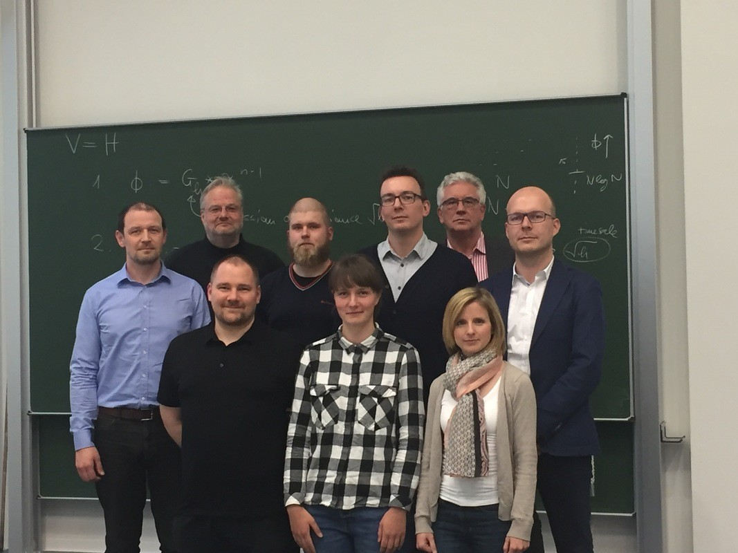 Die Praxispartner 2017 von links nach rechts: Matthias Ehrlich, Prof. Martin Bogdan, Christian Gräf, Robert Rosenberger, Ulrike Wohlrab, Richard Beyer, Bernd Schröder, Mandy Dornick, Rico Hänsel